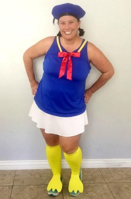 Easy no sew Donald Duck costume hat tutorial. Perfect for any runDisney event! Walt Disney World   Disneyland   Running Costumes   Halloween