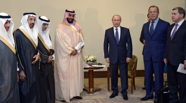 Vladimir Putin con el príncipe heredero Saudí