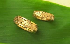 Fanhandle rings