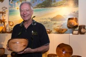 Honolulu Woodturners show Carl Sherry