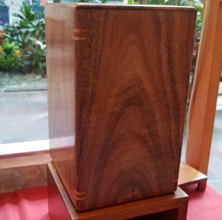Large koa urn with splines