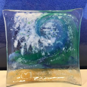 "Vicki Villaluz Fused Glass Wave Dish 4""x4"" (representative)"