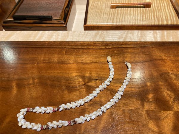 Kipona style Ni'ihau shell lei necklace