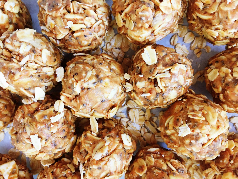 Happy Snacks: Nutella & Peanut Butter Energy Balls