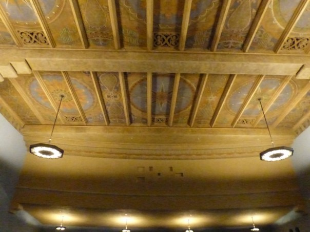 Piness Auditorium, Wilshire Blvd Temple