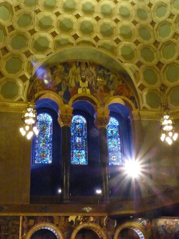 Stained glass, Wilshire Blvd Temple
