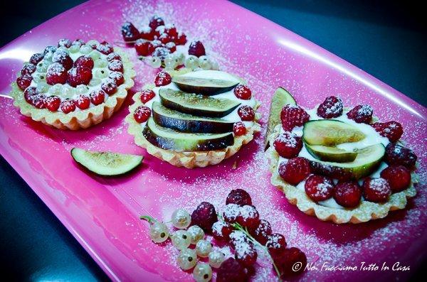 Crostatine con ricotta e frutta fresca-rev-2