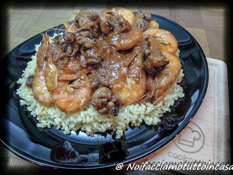 Guazzetto di moscardini e gamberoni con riso aromatizzato alla curcuma-16