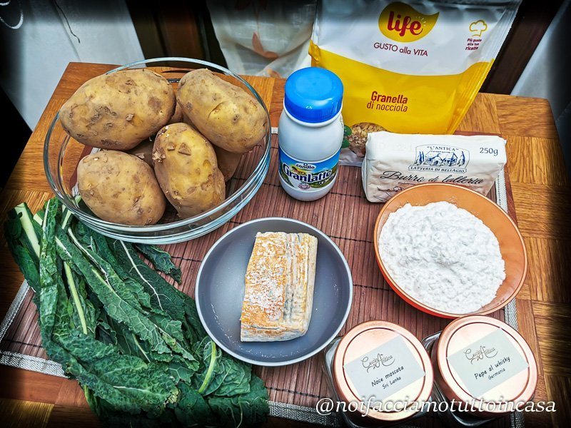 Gnocchi di Cavolo Nero e Patate con salsa al Taleggio