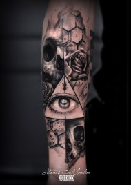 by Thomas Carli Jarlier done at Noire Ink tattoo