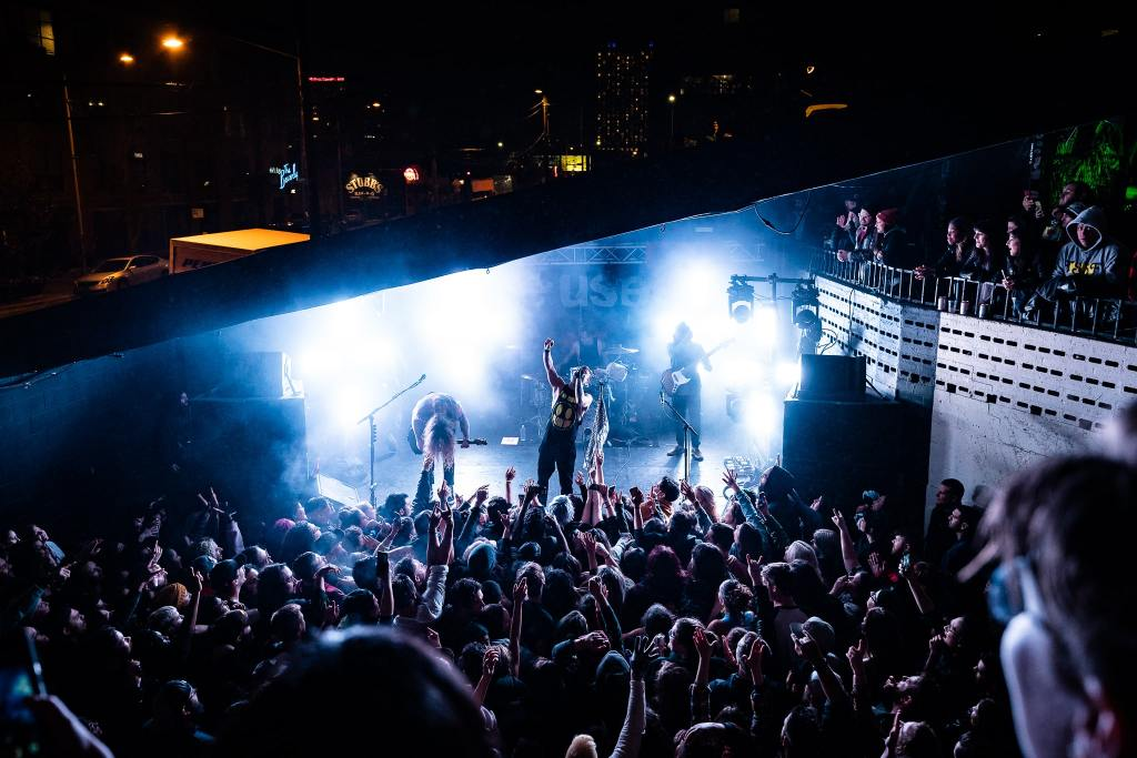 The Used,crowd at mohawk,clean vocals,dirty screams,