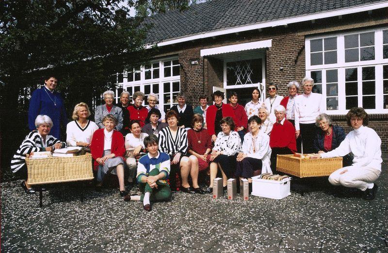 De vrijwilligers van de Bibliotheek aan de Molenweg.