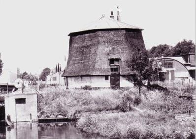 Westmolen: Het onderstuk van de 'Westmolen' nabij Voorburg in 1976.
