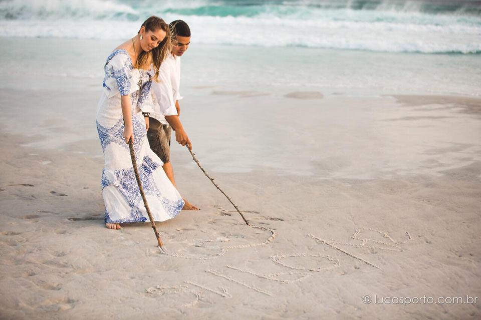 Ensaio na praia: 35 Fotos incríveis para inspirar o seu