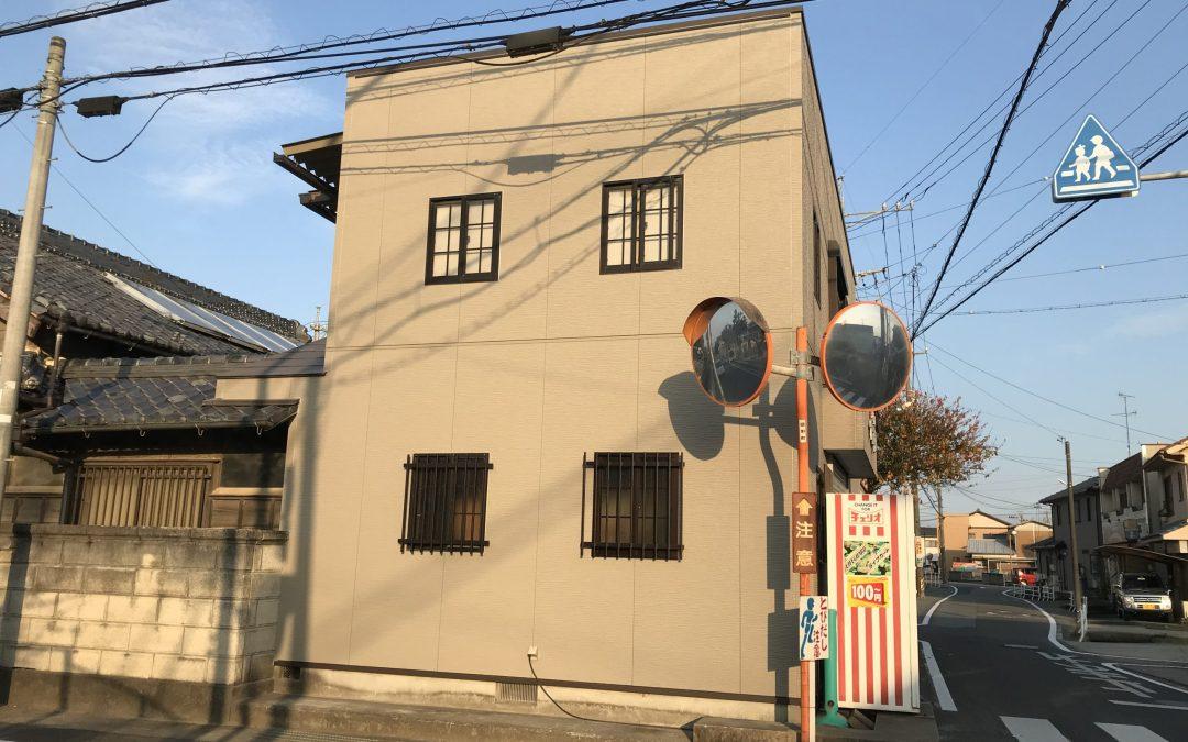 和洋菓子Y店舗様、物損事故による外壁補修。