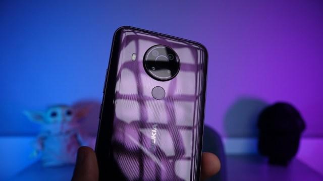 Glossy finish = fingerprint magnet