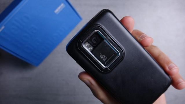 Nokia N900's hardware was very... prototype-y