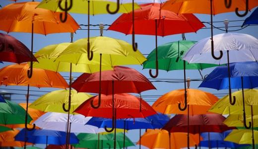 『デザイン思考ワークショップ』を開催。デザイン思考を使って「傘」を創る。