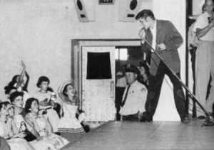 Elvis Presley playing at the Municipal Auditorium - scottymoore.net