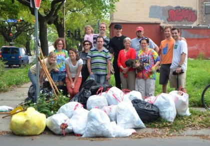 Thanks to everyone who came out to D'beautify D'hemecourt - strong turnout for our first mob, 4/7/2013.
