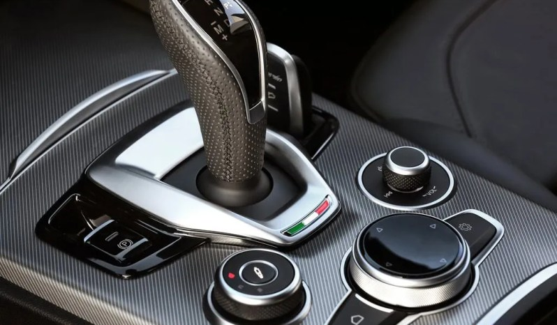 Alfa Romeo Stelvio 2.2 Business 160CV AT8 pieno