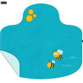 Manta-Capa, un regalo personalizado para el bebé Daniel y un dibujo animado a juego