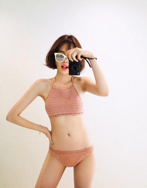 Xu hướng Bikini len móc lên ngôi mùa hè 2017
