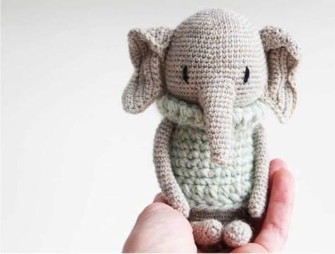 Học cách móc con voi xinh xắn của tác giả Lui