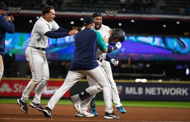 The Seattle Mariners have 8 walk-off wins in 2021!