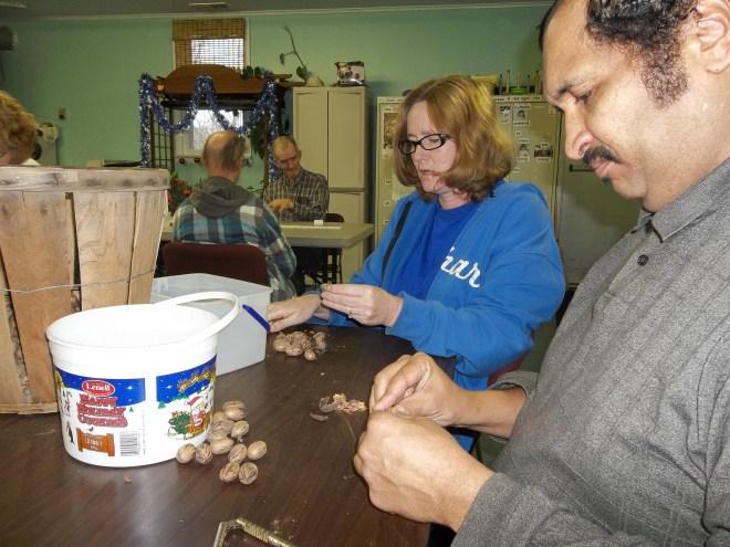 Rachel and Zel cracking pecans.  Having fun but it's not all what it is cracked up to be.  ;)  Pecan pie next week!!