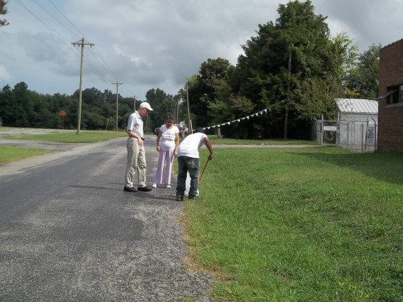 """""""People hard at work picking up trash!""""-  Amy  We took time this morning to pick up litter on our road her by No Limits!"""