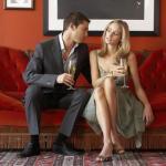 How to Read Women's Body Language of Flirting