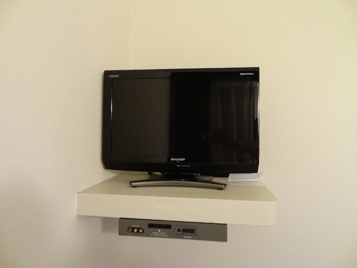 センターホテル東京のシングルルームにあったテレビ