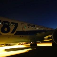 ANA 全日空( NH807便) 成田-バンコク 787-8 (フルフラットシート+スタッガードシート)