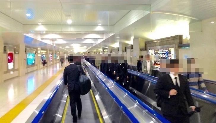 羽田空港から東京ディズニーリゾートまでの電車移動は大変(京葉線の乗り継ぎ)