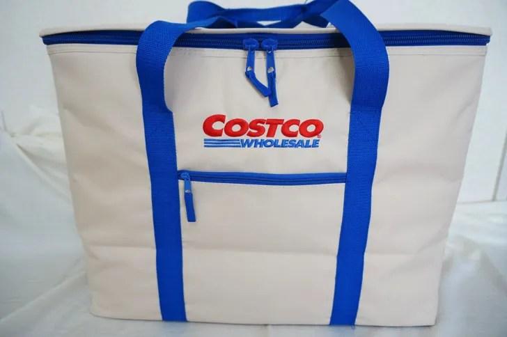 コストコのクーラーバッグ(保冷バッグ)(表面のアップ)