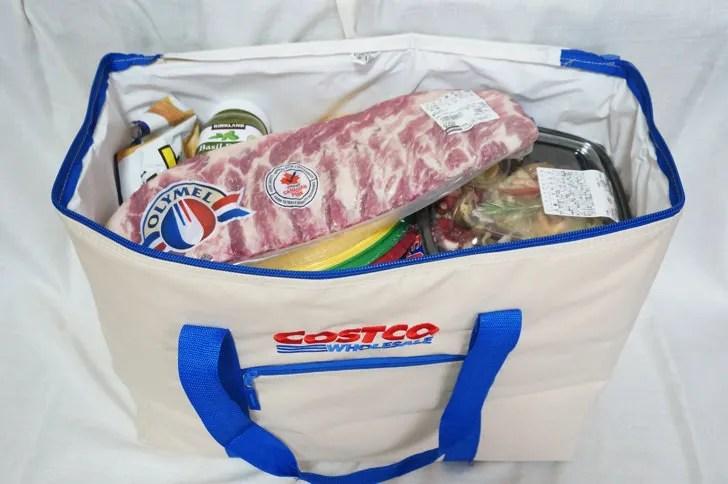 コストコのクーラーバッグ(保冷バッグ)(コストコの生鮮食品を入れた様子)