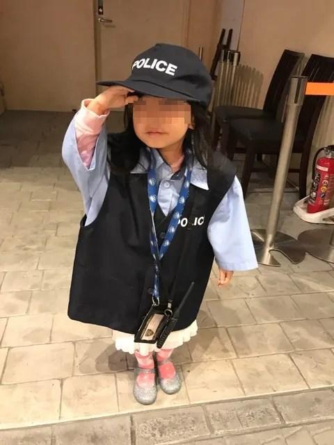 警察官の格好