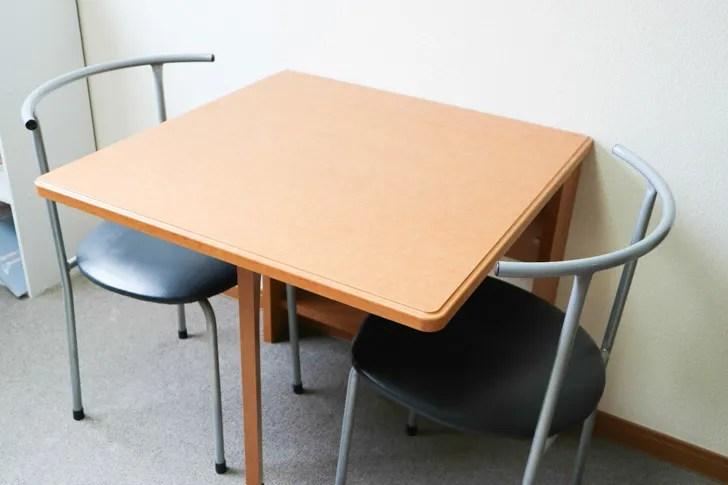 レオパレスのテーブル