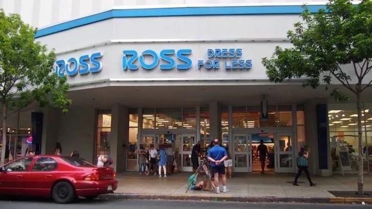 ハワイ・オアフ島にあるロス・ドレス・フォー・レス(店舗の入口)