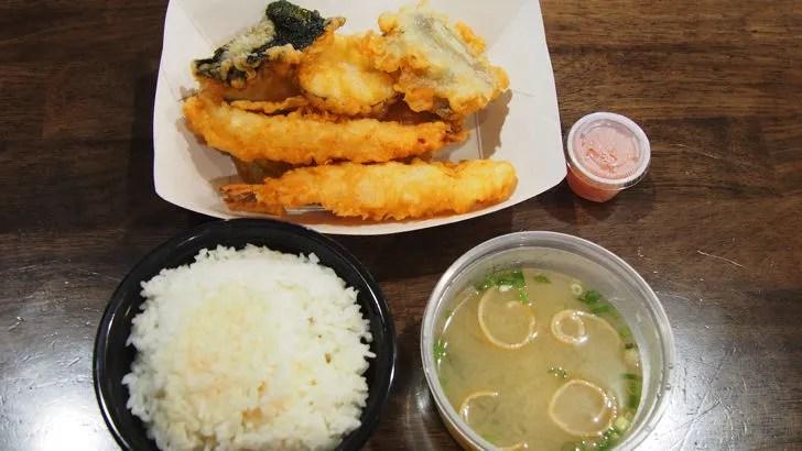ハワイ・ワイキキにあるシロキヤ・ジャパン・ビレッジ・ウォーク(実際に買って食べた天ぷら定食)