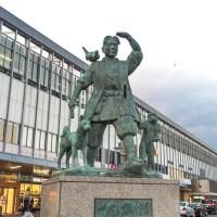 岡山駅 東口広場の桃太郎像
