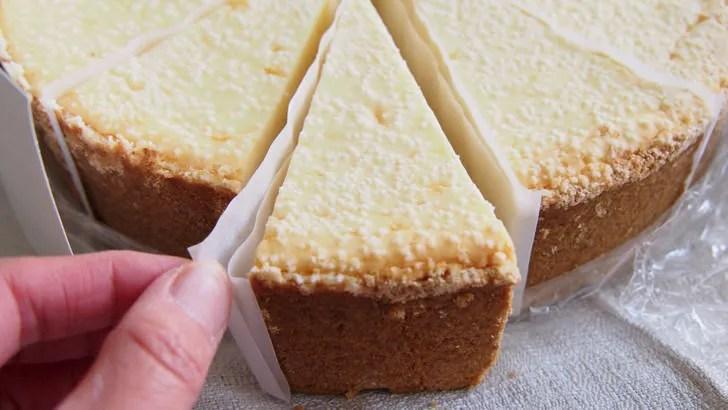 コストコのチーズケーキファクトリー オリジナルチーズケーキ(ケーキの表面)