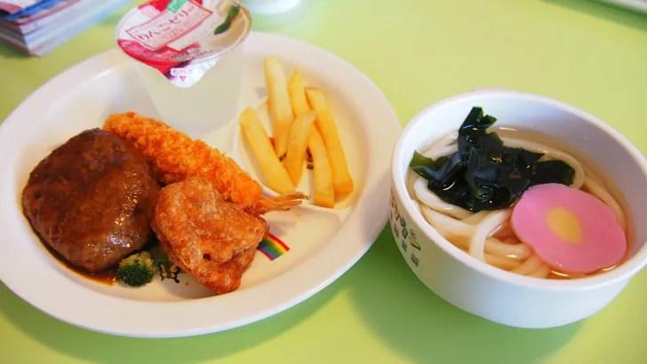 三重県鈴鹿市にある鈴鹿サーキット(園内にあるレストランで注文したお子様ランチ)