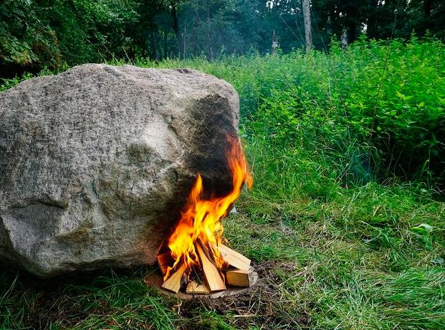 Esta pedra equipada com wi-fi precisa de fogo para funcionar