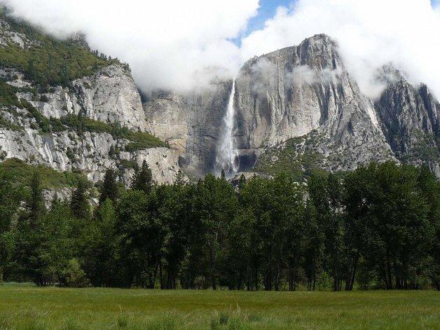 04yosemite-falls-in-california