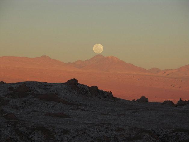 1200px-Mondaufgang_im_Valle_de_la_Luna