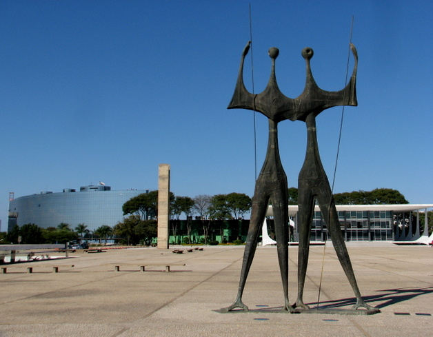 010-praca-dos-tres-poderes-brasilia-3