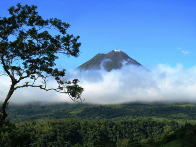 volcano_arenal_costa_rica_2014_photo_by_gotanero