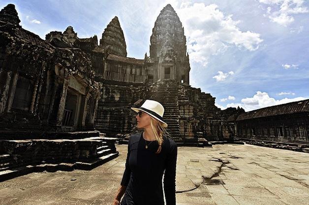 first-woman-visit-all-countries-cassandra-de-pecol-25